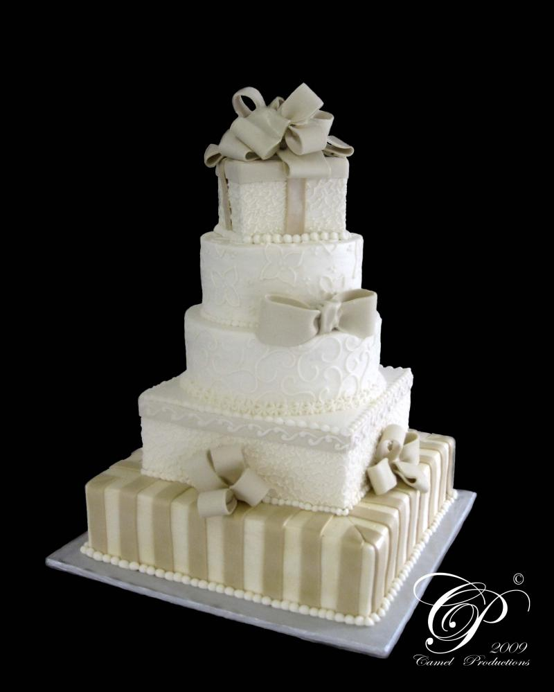 incredible edibles proudly providing desserts and wedding cakes to